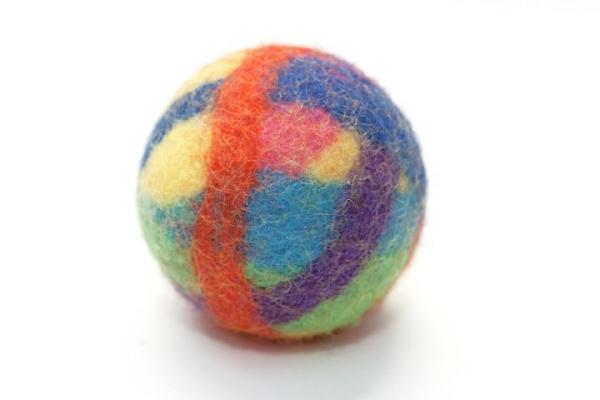 Spielzeug Filzball